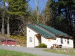 Bugling Elk Bungalow exterior w/hot tub, picnic table and BBQ