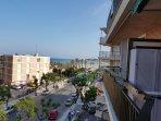 Ubicación en centro zona turística y comercial a pie de playa