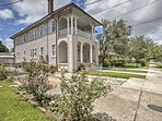 Traditional New Orleans architecture welcomes you to this vacation rental apt.