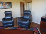 """Bonus den """"view room"""" with 2 leather recliners for silent getaway, reading, viewing or computer surfing"""