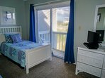 Twin Bedroom With Private Deck and Cable TV/DVD