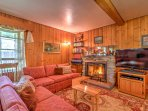 The vacation rental cottage in Bellevue boasts a large flat-screen BluRay TV.
