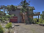 Nestled in the coastal city of Waldport, this home boasts 1,400 square feet and accommodations for 6.