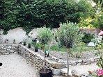 Cottage de la rose, Garden