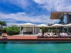 Villa Cielo - Poolside lounge