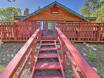 Discover Big Bear Lake, California from this  2-bedroom, 1-bathroom Fawnskin vacation rental cabin.