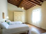 camera da letto con due letti singoli che può a richiesta diventare un'altra camera matrimoniale