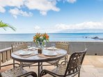 Beachfront - Keoni Nu'i Bay right outside your door + two oceanfront lanais!