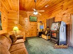 Pigeon Forge Cabin with Game area and large tv