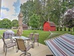 Lay back in the hammock and enjoy the lush backyard during your stay at this 1-bedroom, 1-bathroom vacation rental...