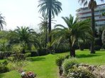 Well kept landscaped gardens. Our guests can use this for sunbathing or general relaxing.