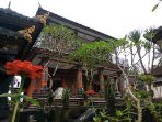 A house with a Balinese arcitektur, and behind the house can enjoy the expanse of rice fields.