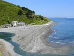 Seaton beach, an ideal family beach with nearby cafes and pubs