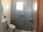 Douche à l'Italienne, WC et lavabo