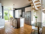 Modern open-plan kitchen