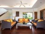 Spacious living room (45m2)