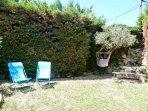 Gîte de charme avec piscine partagée, climatisation et jardin privatif 'A 2 pas de la Montagnette'