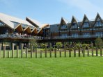 Riverside Clubhouse - restaurant, bar, entertainment, children's play area, riverboat taxis.