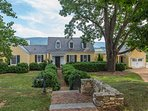Ramsay Estate   Historic 3BR Cottage on Luxurious Estate w/ Panoramic Mtn Views