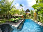 The Baganding Villa - Pool deck