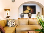The Baganding Villa - Comfortable sofa