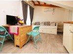 A4 gornji(4+1): living room