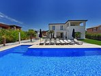 Beautiful Villa Domenica with Swiming Pool and BBQ