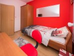 ROOM 2: COMFORTABLE SINGLE BED (0.9 x 2.0) (GUESTS CAN ASK FOR ONE ADDITIONAL SINGLE BED)