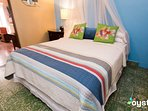 Queen bed, high county sheets, daily housekeeping