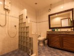 2 EN SUITE IDENTICAL BATH ROOMS  GROUND FLOOR