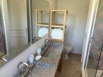 Salle de bain de la suite 2