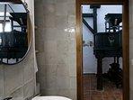Cuarto de baño, Molino,  planta baja. Casa-Molino: El Molino del Panadero.