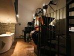 Detalle iluminación nocturna. Casa-Molino: El Molino del Panadero