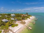 Beachfront with amazing bay views just steps away from Captiva Pass