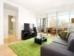 Luxury Elwood Accommodation  : 13/30 Docker Street, Elwood