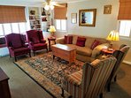 Entrance/Livingroom