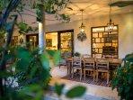 The Baganding Villa - Outdoor dining