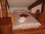 'quarterdeck' Mansard bedroom (sleeps 4)
