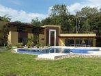 Luxurious Villa!! Horses, swimming pool, sauna, gardens. Private creek!!! Spectacular views!!