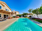 Beautiful Vacation Home In Heart of Wine Country- Pool/Spa/Fire Pit/Game Room