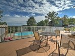 This condo offers access to several terrific amenities!