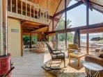 Cozy dog-friendly bayfront home w/ stunning ocean views near the beach!