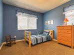 You'll find twin beds in 3 of the 6 bedrooms.