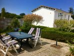 Maison l' âne with a large garden, close to village and beach