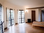 Architectural gem large room and study with bay view close walk to UC campus