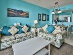 Majestic Sun 403B - Living Room Area