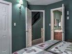 2 of the bedrooms offer en suite bathrooms.