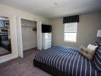 Upper Floor spacious suite with 43' Smart TV