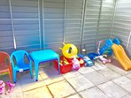 childrens outside toys and tables & chairs