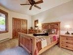 Furniture,Bedroom,Indoors,Room,Cabinet